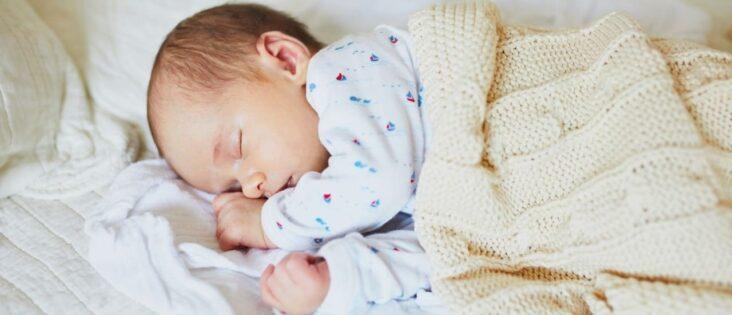 Ostéopathe peut aider le sommeil d'un bébé